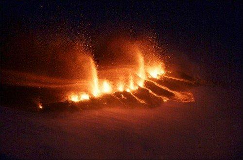 eyjafjallajokullvolcanoeruption2010.jpg
