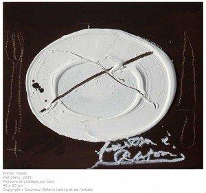 tapies-plat-blanc-300x281 Antoni Tàpies dans lard content pot rein